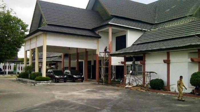 DPRD Kota Palangkaraya Berlakukan WFH 100 Persen, Gedung Dewan Disemprot Disinfektan