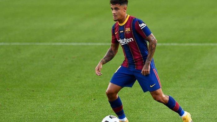 Gelandang Barcelona, Philippe Coutinho, beraksi pada laga trofi Joan Gamper di Stadion Camp Nou pada 19 September 2020.