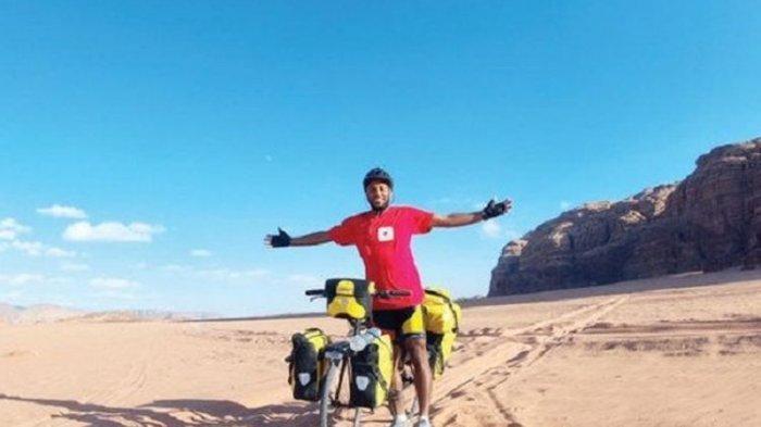 Demi Ibadah Haji, Pria Ini Berjalan Kaki dan Bersepeda Lewati 28 Negara Selama 4 Tahun