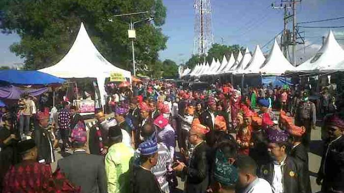 Gubernur Kalsel Tak Mau Ketinggalan Ikuti Puncak Pesta Adat Mappanretasi