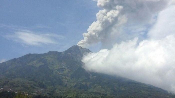 Gunung Merapi Meletus Lagi, Muncul Gas Setinggi 1.200 Meter, Berbahaya kah?