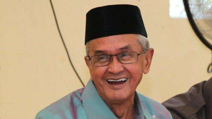 alhamarhum H Khalilurrahman, mantan Bupati Banjar, Kalimantan Selatan.