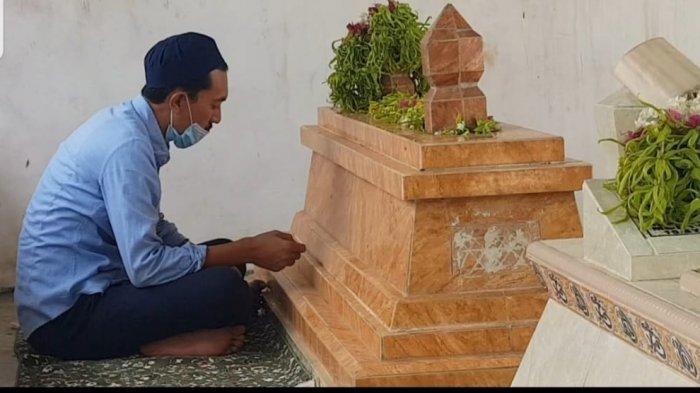 Ziarah Makam Jelang Ramadhan 1442 H, Tradisi Umat Muslim Kala Ramadhan 2021 Tiba