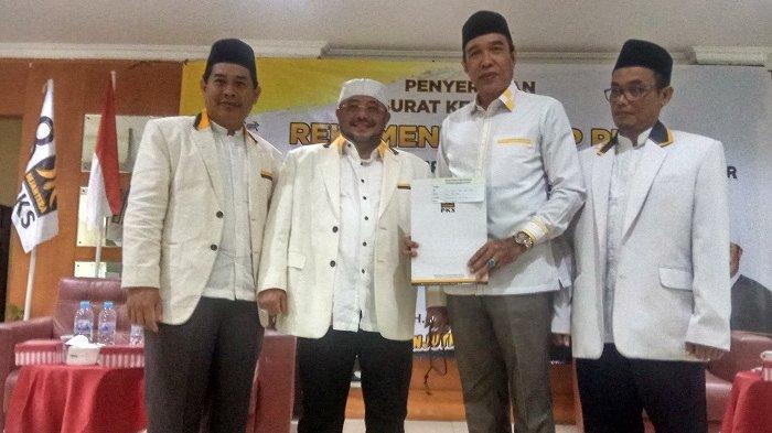 PKS Dukung H Rusli-Guru Fadlan, Habib Aboe Bakar AlHabsy Serahkan SK Rekomendasi