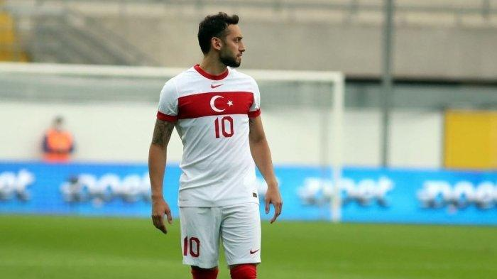 Nasib Hakan Calhanoglu di AC Milan Setelah Melempem di Euro 2021, Bisa Dilepas di Bursa Transfer
