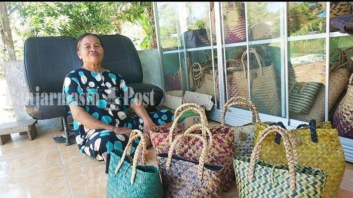 Penjualan Tas Purun di Banjarbaru Meningkat untuk Wadah Daging Kurban Idul Adha 1442 H