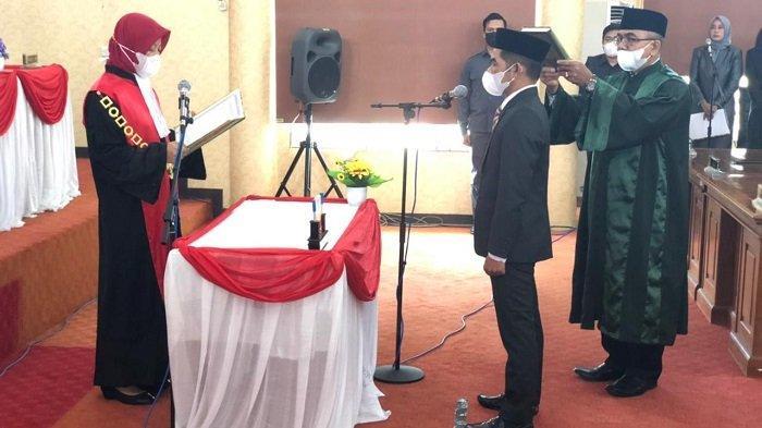 Diambil Sumpah, Hanil Tamjid Resmi Duduki Kursi Wakil Ketua DPRD Balangan