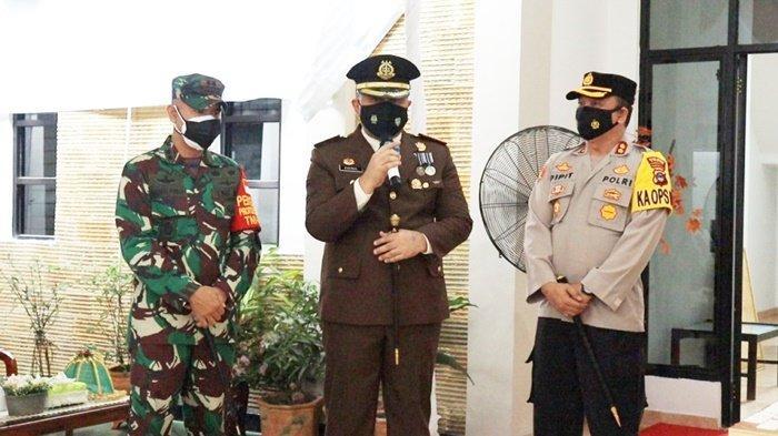 Komandan Kodim dan Kapolres Beri Kejutan untuk Kajari Tapin di Hari Bhakti Adhyaksa