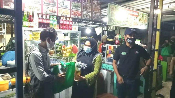 HUT Pertama, Sime Darby Oils Bagi-bagi Minyak Goreng Alif di Siwalk Kotabaru