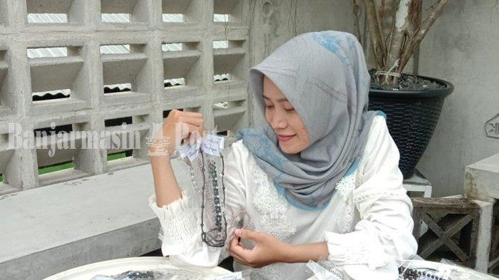 Tuai Untung Pembuat Masker di Kabupaten Tapin, Gencar Pemasaran Via Online