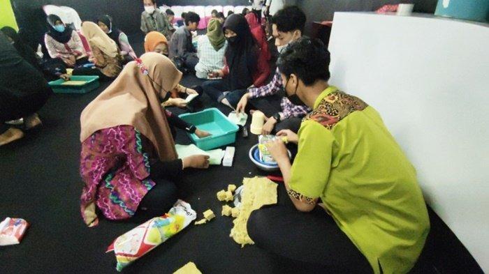 Lulusan JikaMaka Kabupaten Tabalong Kembangkan Usaha Hidroponik, Dipasarkan Secara Online