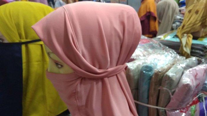 Lagi Ngetren, Hijab Niqab Terinspirasi dari Niqab atau Cadar