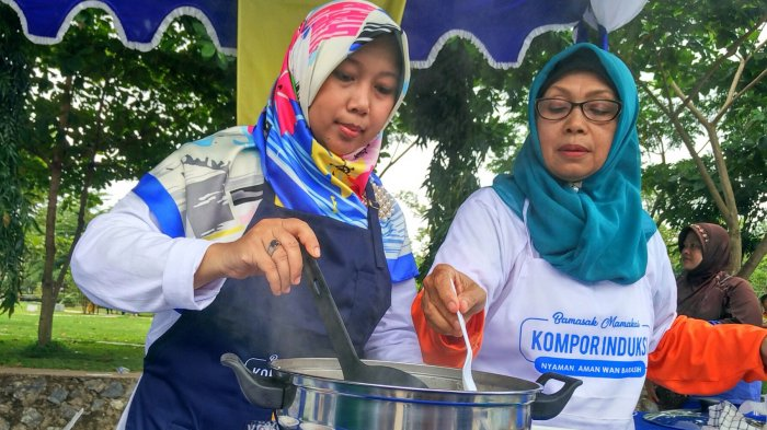 Begini Reaksi Istri Ibnu Sina Saat Ditantang Chef Agus Masak Belut Pakai Kompor Induksi