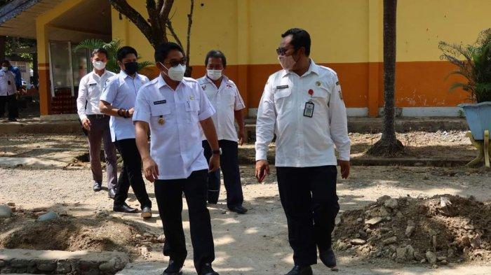 Motivasi dan pembekalan diberikan langsung oleh Wakil Bupati (Wabup) Hulu Sungai Selatan Syamsuri Arsyad didampingi Kepala Sekolah Agus Ratmono