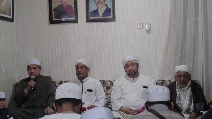Ibnu Sina saat hadir pada Peringatan Maulid Nabi Besar Muhammad SAW digelar pada Rabu (4/121/2020) di Lantai Dasar Pasar Samudra Baru.