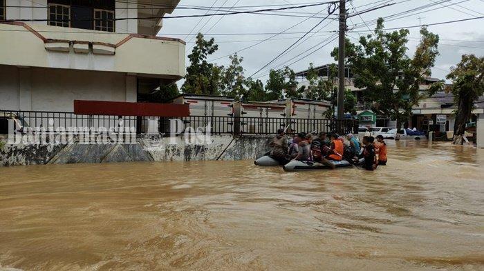 Main Air di Jalan, Bocah Terlindas Truk di Benua Binjai Kabupaten HST