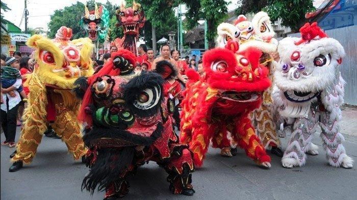 Ilustrasi Barongsai - Tradisi Meriahkan Perayaan Cap Go Meh 2021, Dari Angpao hingga Makanan Khas Tahun Baru Imlek 2572.