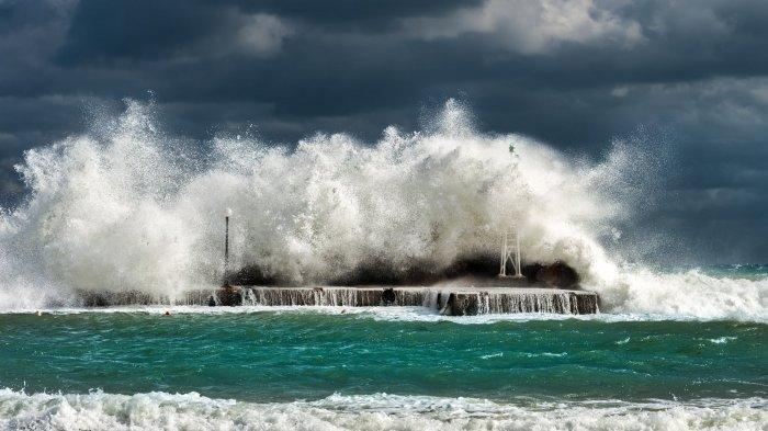 WASPADA Gelombang 4 Meter, Klik maritim.bmkg.go.id Mengetahui Daerah Dilanda Gelombang Tinggi