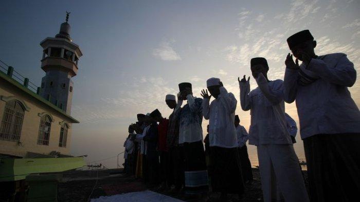 Bacaan Niat dan Tata Cara Shalat Idul Fitri Lengkap Naskah Khutbah Idul Fitri Ustadz Abdul Somad