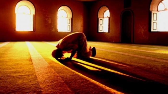NIAT Sholat Qobliyah Subuh Lengkap Lafadz Dzikir, Keutamaannya Lebih Baik dari Dunia dan Seisinya