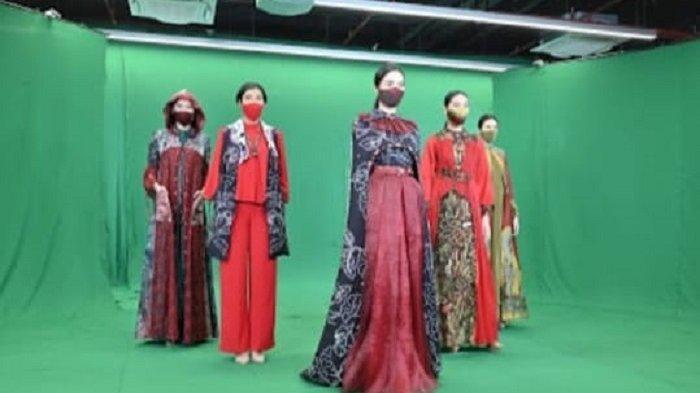 Red of Sasirangan Tampil di IFW 2020 Jakarta, Rancangan Catherine Bikin Memukau