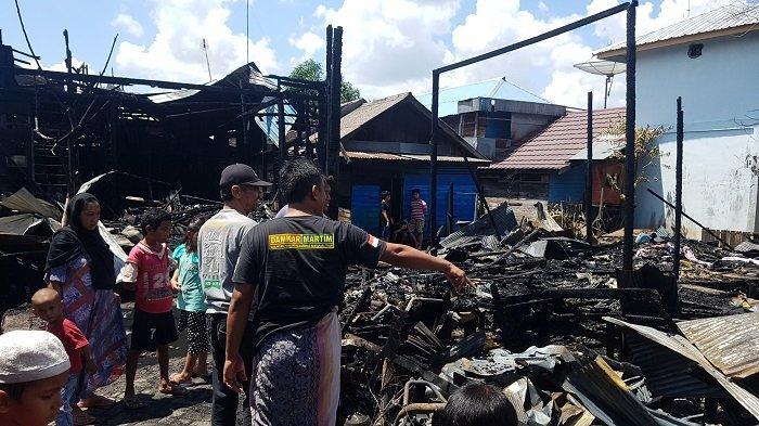 Kebakaran Kalsel :6 Rumah di Desa Mekar Martapura Timur Ludes Terbakar, Korban Terpaksa Mengungsi