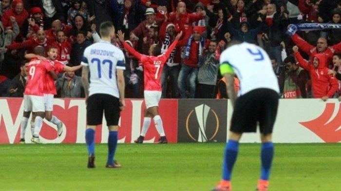 Tersingkir dari Liga Eropa, Pioli Nilai Pemain Inter Milan Sombong