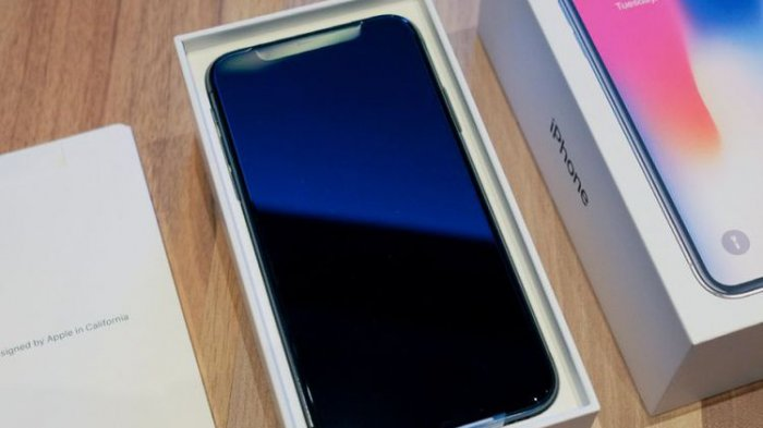 Duh Ada Kabar Siswa SMA Dieksploitasi untuk Merakit iPhone X, Benarkah?