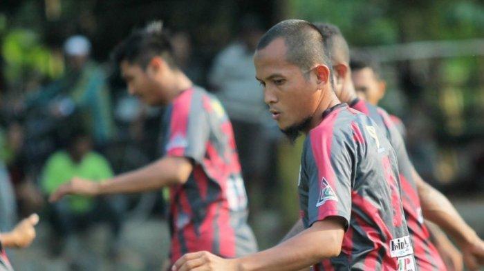 Jaga Kondisi, Kapten Martapura FC Sato Junior Lakukan Ini saat di Palembang