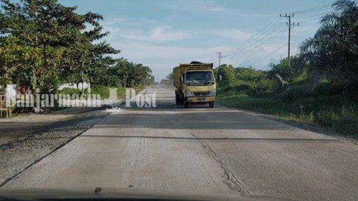 Truk Sawit Lewat Jalan Lingkar Selatan Kota Sampit Kalteng Dibatasi Maksimal 8 Ton