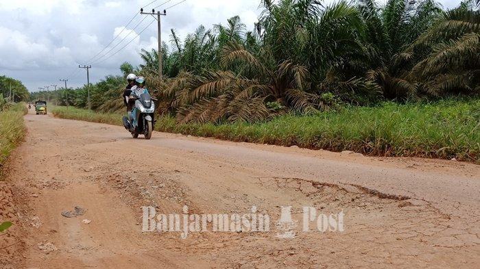 Mohon Perbaikan Jalan Padat Karya Banua Anyar Banjarmasin
