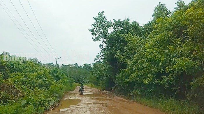 Wisata Kalsel, Jalan Rusak Hambat Perjalanan ke Pantai Teluk Tamiang Kotabaru