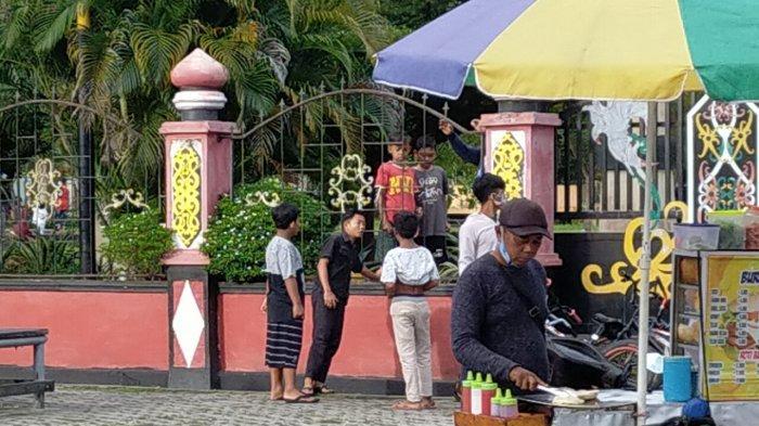 Lokasi Car Free Day di Taman Kota Sampit Kotim Selalu Dipadati Pedagang Makanan