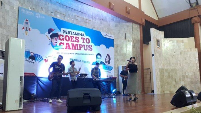 Penyanyi Cantik Jeka Idol Pukau Peserta Pertamina Goes to Campus di Poliban