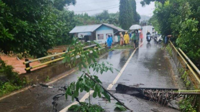 Pondasi Jembatan Mandiangin Kabupaten Banjar Runtuh, Arus Lalulintas Ditutup