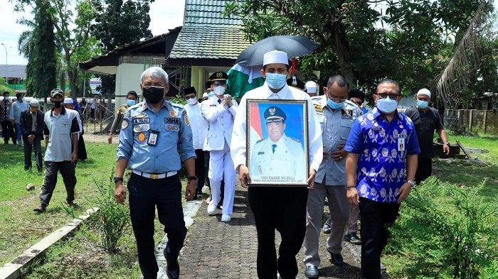 Lepas Jenazah Ogi Fajar Nuzuli, Wali Kota Banjarbaru : Almarhum Figur Terbaik Banjarbaru
