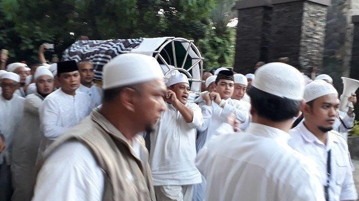 Selawat Sambut Jenazah Ustadz Arifin Ilham, Kilas Balik Ayahanda Alvin Faiz Digigit Ular Kobra