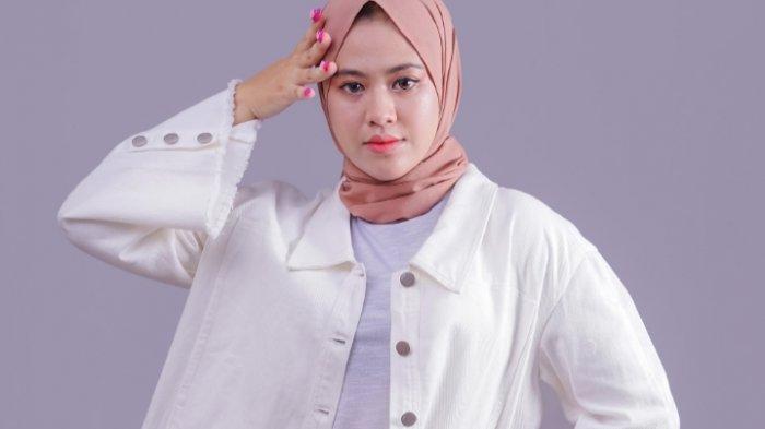 Profil Finalis Putri Pariwisata Kalsel 2021, Tak Hanya Inggris, Jihan Nur Azka Lancar Bahasa Arab