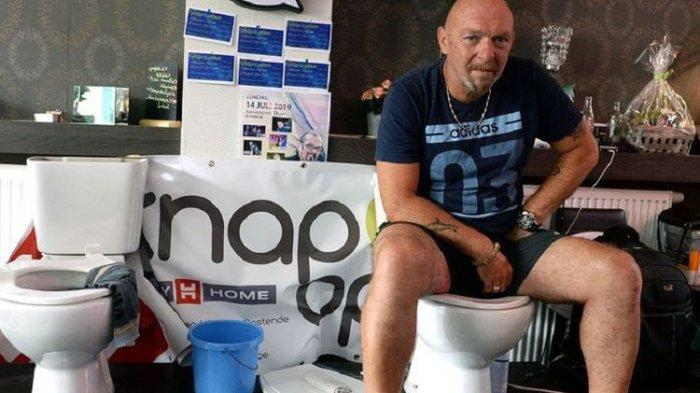 Incar Rekor Dunia, Pria Ini Lakukan Aksi 'Nyeleneh', Duduk di Toilet Selama 5 Hari