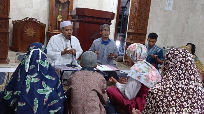 Dapatkan Hidayah di Ramadan, Satu Keluarga di Meratus Kalsel Bersyahadat di Masjid Muhammadiyah HST
