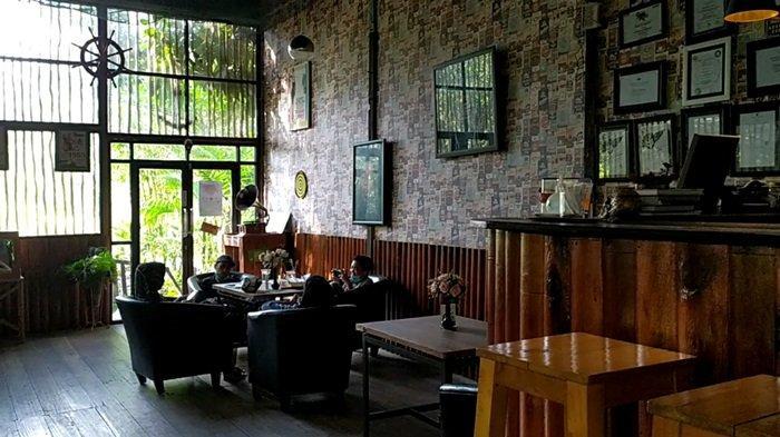 Bingung Cari Tongkrongan Bernuansa Alam Hutan, Coba Saja ke Jungle Coffee Bar Banjarmasin
