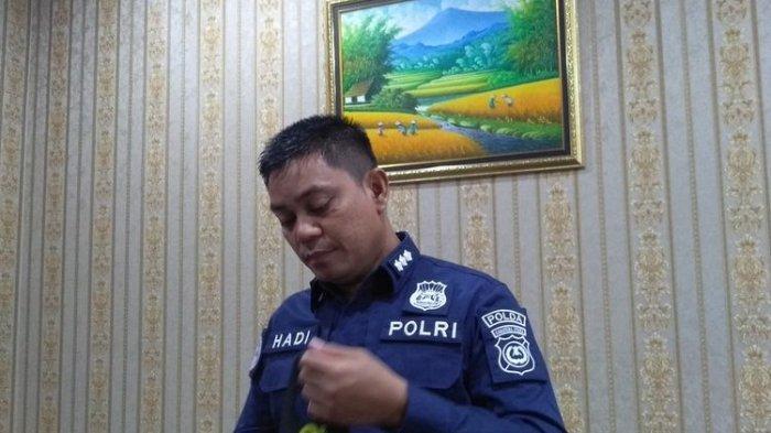Kabid Humas Polda Sumut, Kombes Pol Hadi Wahyudi menyebut Personel Subdit IV Tipidter Ditreskrimsus Polda Sumut menggerebek lokasi terjadinya dugaan pelanggaran UU Tentang Kesehatan di Bandara Internasional Kualanamu pada Selasa (27/4/2021) sore.