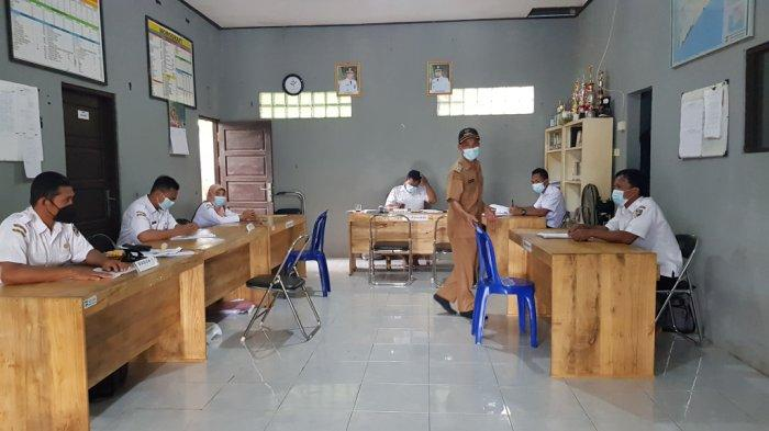 KalselPedia - Desa Banua Tengah Tanahlaut Terletak di Jalan Poros Dekat Pantai Takisung