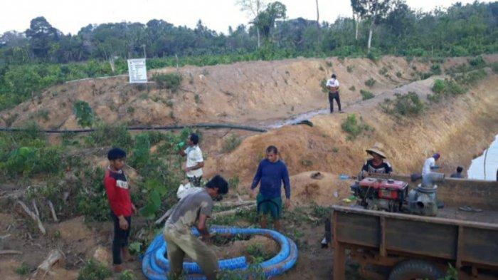 CSR dari Perusahaan ini  Bantu Desa Tanjung Mangkok Sebuku Bikin Embung Atasi Masalah Kekeringan