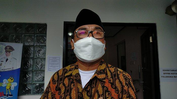 Disdukcapil Palangkaraya Sambangi Rumah Warga yang Sakit Layani Pembuatan Dokumen Kependudukan