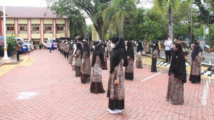 Anggota kafilah MTQ Kabupaten Hulu Sungai Utara (HSU) berjumlah 50 orang, terdiri dari 26 laki-laki dan 24 perempuan, akan mengikuti MTQ Nasional Ke XXXIII Tingkat Provinsi Kalimantan Selatan (Kalsel) yang berlangsung di Kabupaten Tanah Bumbu (Tanbu), 3 sampai 9 April 2021.