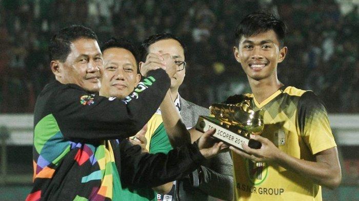 Kompetisi Liga 1 Tidak Menentu, Striker Muda Barito Putera Ini Pulang ke Kampung Halaman di Sulsel