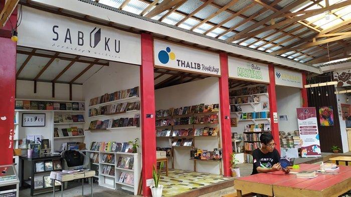 Kampung Buku Banjarmasin di Jalan Sultan Adam Kota Banjarmasin.