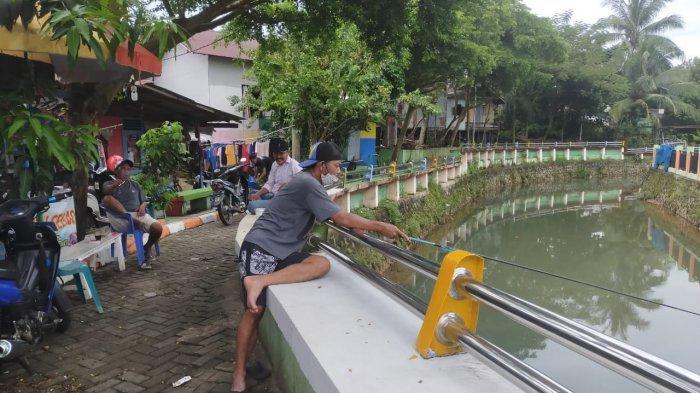 Kampung Pelangi Banjarbaru kawasan Sungai Kemuning di Kelurahan Guntung Paikat, Kecamatan Banjarbaru Selatan, Jumat (12/3/3/2021)