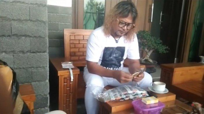 Intip Rumah Mewah Mat Drajat si Pemeran Kang Komar di Preman Pensiun, Sule Juga Kulik Ini